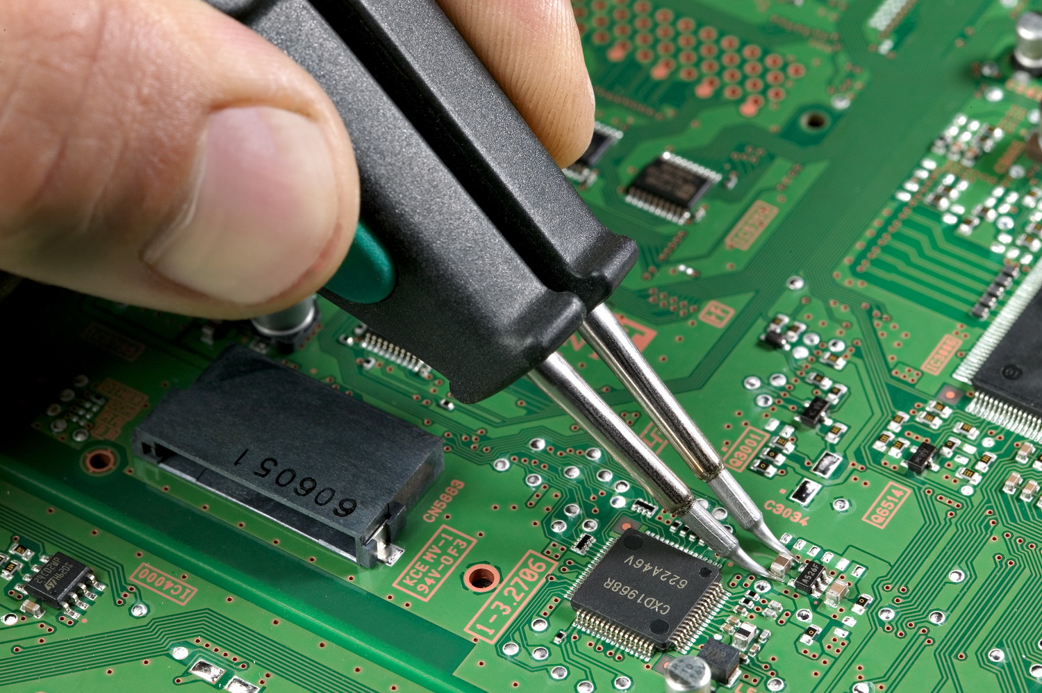 Soldering a 0805
